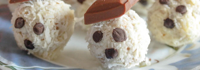 Easy Christmas Recipe for Kids - Snowman Balls